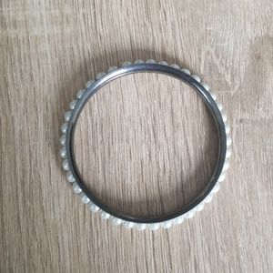 Jewelry - Bangle FREE with any list price purchase